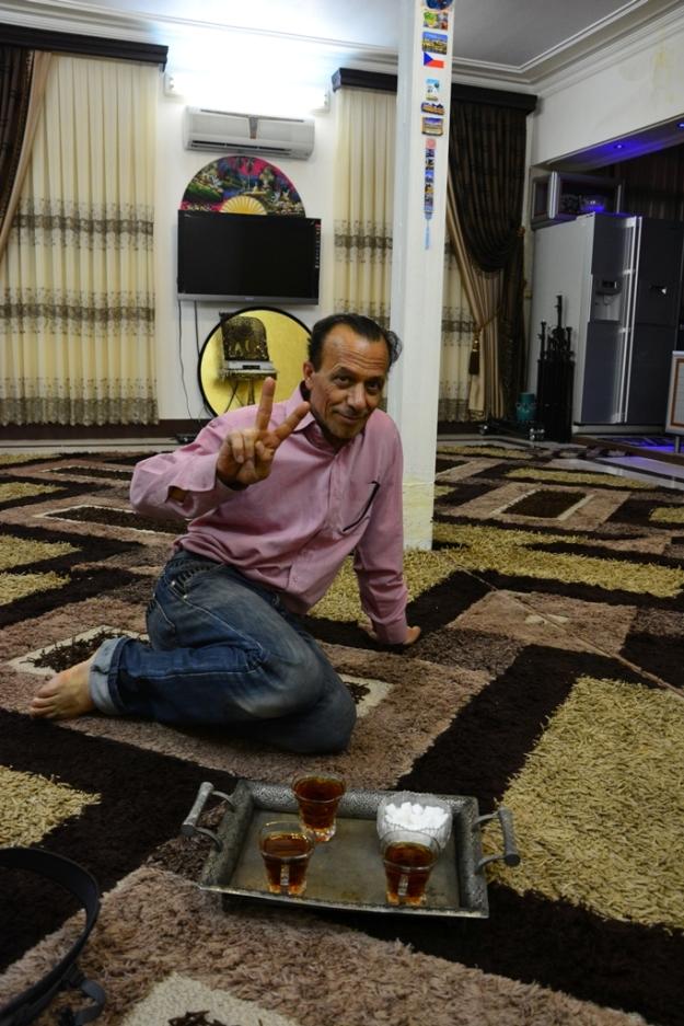 Mohammed The father of couchsurfing in Iran - všimněte si české vlaječky na sloupu :)