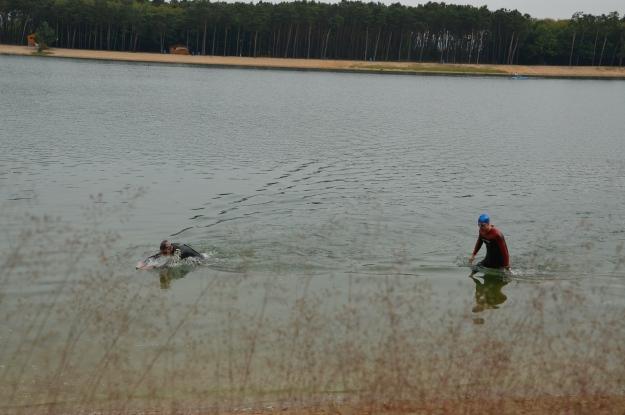 Ještě jednoho delfína, když se soupeř pere s vodou po pás :) Work smarter not harder!