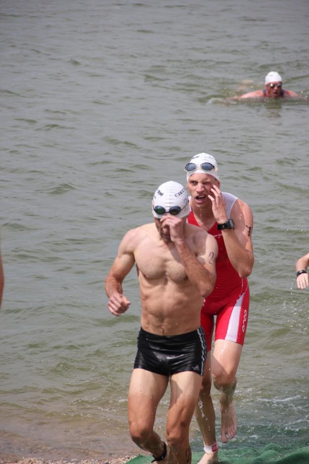 Slepej na levý oko plný vody při výběhu. Foto: Radim Š.