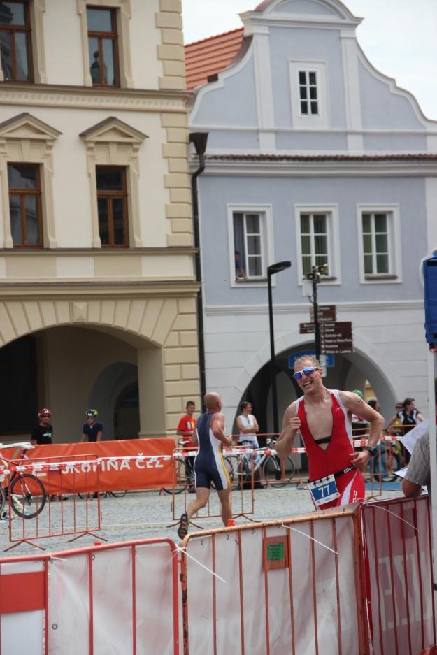 Krátké, ale bolavé. Otočka běhu na náměstí. Foto: Radim Š.