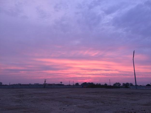 Nedělní východ slunce nad Dunajem